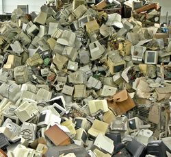 monitors_pile_bigstock